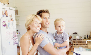 Young-parents-with-child-008