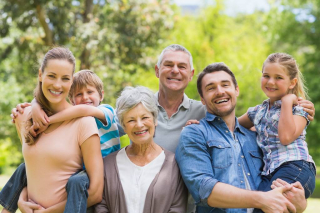 Portrait-of-an-extended-family-59003081